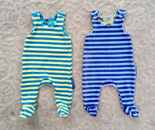 snuggly rompers with fee, size 62/3mo